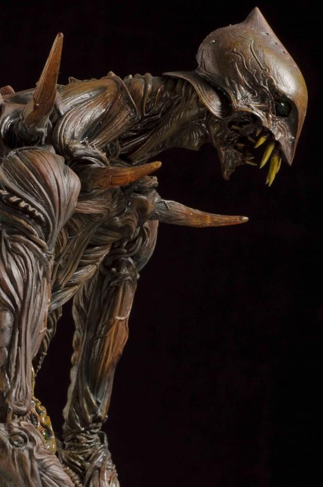 """在""""馆长庵野秀明 特摄博物馆""""上映的""""巨神兵在东京出现""""中的巨神兵,雏形是由竹谷先生以前田真宏先生的概念画为基础设计的。竹谷先生是参考了EVA的形象来设计的。(C)2012 Studio Ghibli"""