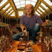 耗时近20年,他制作了100多个电影微缩模型场景
