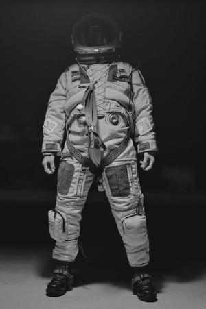十年没买军事人型了,只能说DAM这款U2做得太帅,第一时间换成人猿星球。