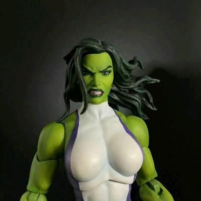 超级女英雄...