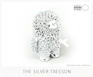 "Fluffy House最近推出了香港艺术家Bubi Au Yeung(欧阳洁盈)的原创角色""树仔""银色版,这只The Silver Treeson整个身体闪亮亮,blingbling,十分抓人眼球,限量500只,售价65美元,具体信息见Fluffy House官网。"