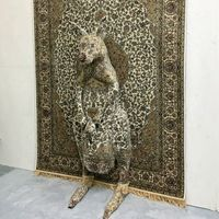 """英国雕塑家黛比·劳森让""""野生动物""""隐藏于手工地毯之中"""
