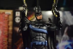 杰森托德版蝙蝠侠--看过披风争夺战的朋友都该知道它的价值!现在真正有价无市的一款。