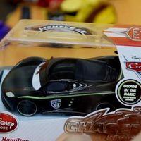 赛车总动员大号车模 夜光版汉密尔顿 趣盒子玩具试玩