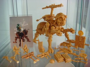 彩星1990年发售的忍者神龟Mega Mutants系列中包括Needle Nose和Killer Bee两�...