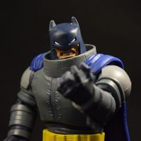 致敬经典!美泰黑暗骑士归来装甲蝙蝠侠评测